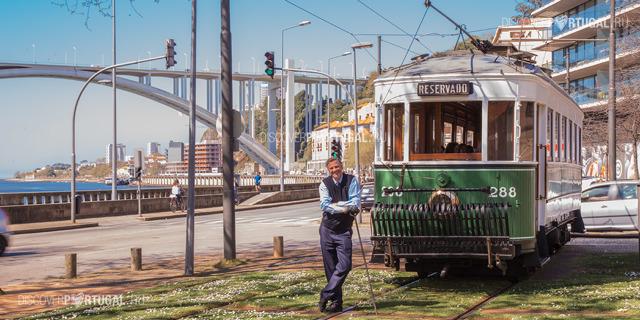 Трамвай в Порту - машина времени по-португальски