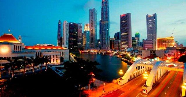 Бананово лимонный Сингапур: цвет в архитектуре