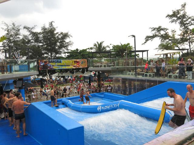Водные развлечения в Бангкоке: серфинг в