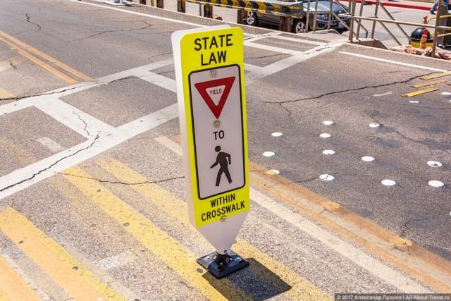 Вождение в США: правила дорожного движения и 10 непривычных особенностей