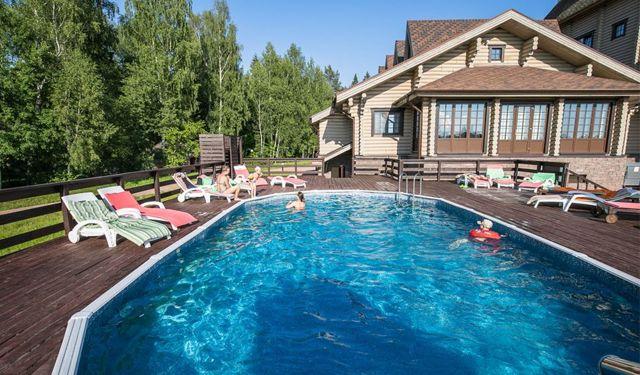 8 лучших отелей с бассейном в Москве - отдыхаешь как на курорте! Отзывы туристов