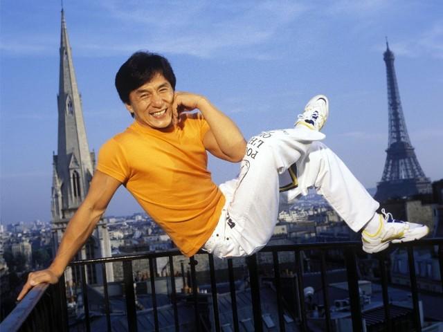 Джеки Чан на фото и рекламе в Азии
